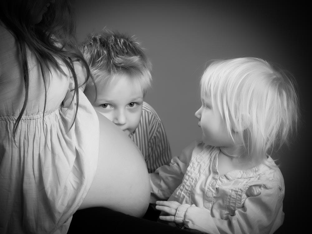 gravidfotografering med hela familje och barn